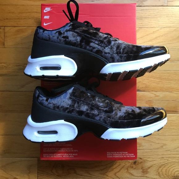 NEW Nike Air Max Jewell Premium Velvet NWT